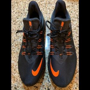Nike MENS Quest Running Shoe 👟Size: 9.5